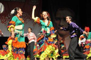 roman halk dansları